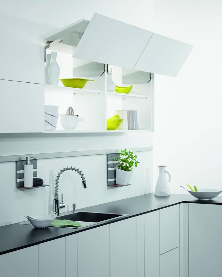 tuersysteme kuechenoberschraenke platzsparend, hängeschrank nach oben öffnen – küchengestaltung kleine küche, Design ideen