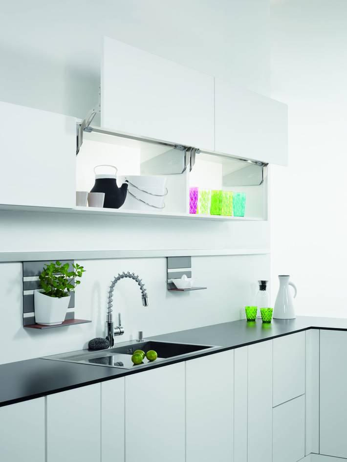 komfortplus im h nge schrank lift t ren besserhaushalten. Black Bedroom Furniture Sets. Home Design Ideas
